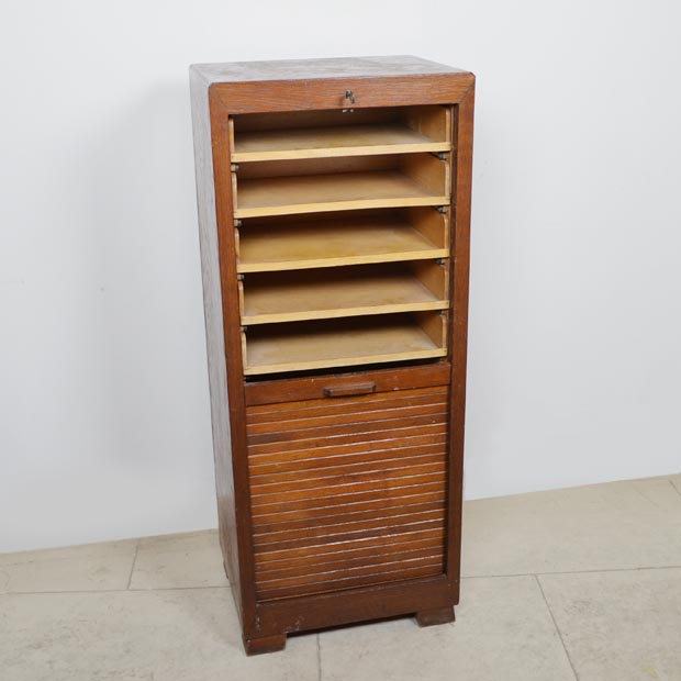 Alter Rolladenschrank – Holz