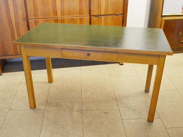 Schreibtisch / Arbeitstisch