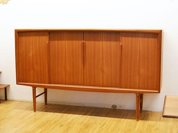 highboard teakholz gunni omann 60er dk h 120cm x b 200cm x t 48cm wedderbruuk. Black Bedroom Furniture Sets. Home Design Ideas