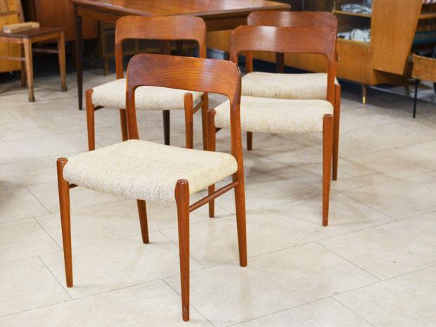 4er-Set Teakholz Stühle / Niels Møller, Modell 75 / 60er / DK