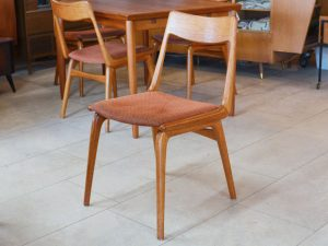 Vier Boomerang Stühle von Slagelse / Teakholz / Design E. & A. Christensen