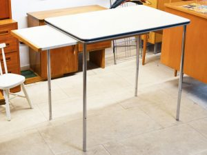 Hoher Tisch / Metall & Resopal