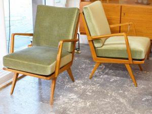 Zwei Sessel / Knoll Antimott