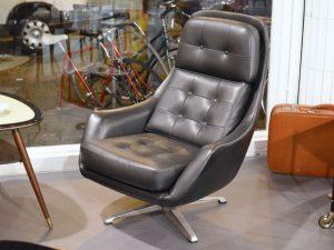 Schwarzer Sessel / Kunstleder