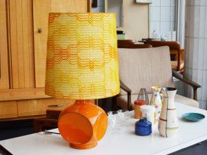 Tischlampe mit Keramikfuß