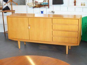 Sideboard / Rüster (Holz der Ulme)