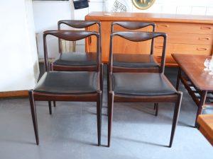 Vier Stühle / Palisanderholz
