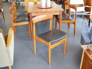 6 Stühle Teakholz / Kunstleder
