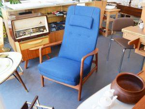 Blauer Sessel / Hochlehner / Teakholz