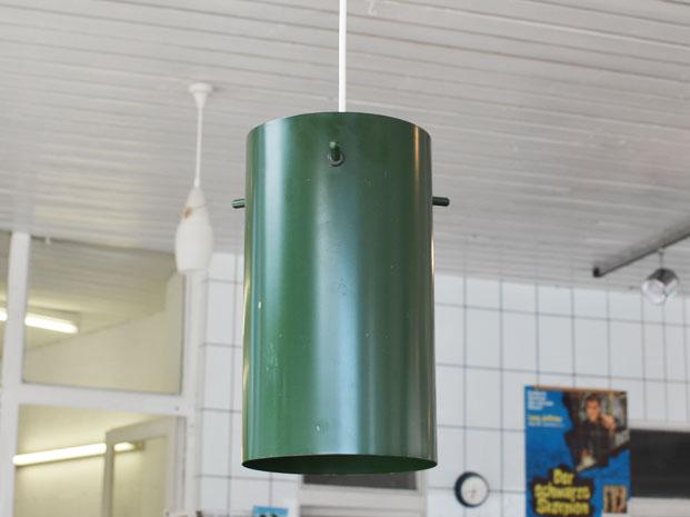 Zwei grüne Deckenlampen / Friis & Moltke, NL, für Lampas, DK