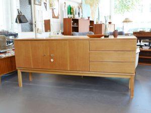 Sideboard 180cm lang / Nussbaum