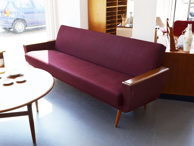 Weinrotes schlafsofa wedderbruuk for Schlafsofa second hand
