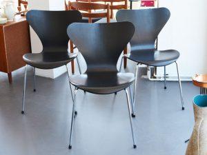 8 Arne Jacobsen Stühle / Modell 3107 / für Fritz Hansen, DK / Entwurf 1950er, Herstellungsjahr 1989