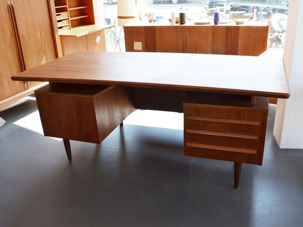 Schreibtisch / Teakholz