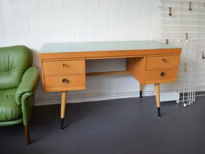 Schreibtisch Ekawerk