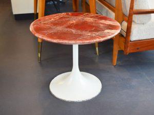 Coffeetable mit Tulpenfuß / Kunstmarmor