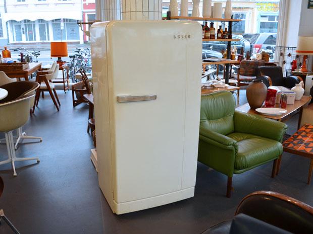Großer Bosch Kühlschrank / Cremeweiß