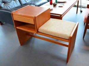 Flurmöbel / Sitzbank mit Aufbewahrungsmöglichkeit