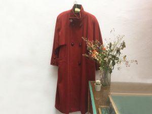 Roter Mantel / Zweireiher