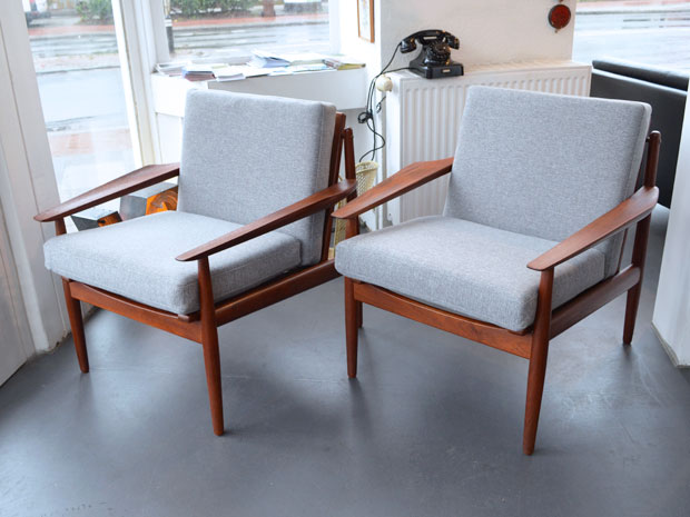 Zwei Sessel / Teakholz / neu bezogen / Arne Vodder, Dänemark, 1960er