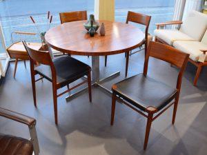 4 Stühle, Georg Leowald für Wilkhahn / Runder Tisch, Palisander, höhenverstellbar, Wilhelm Renz