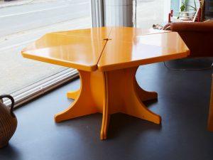 Tisch aus 6 Dreiecken