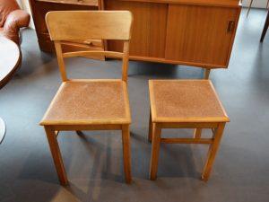 Küchenstuhl und Hocker