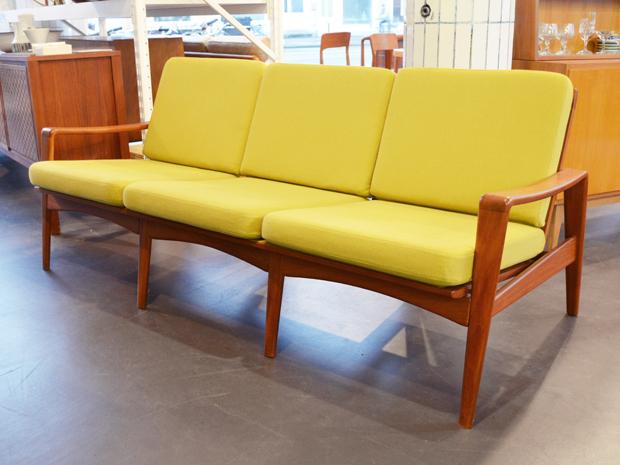 Teak Couch / Arne Wahl Iversen für Komfort, DK / neu bezogen / Preis: 1200 €