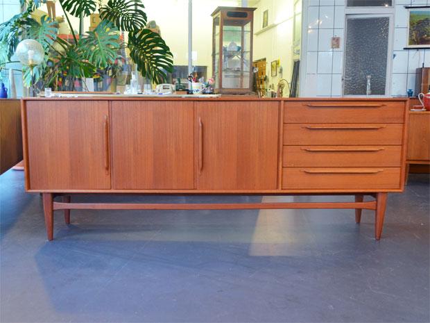 Heinrich Riestenpatt Teak Sideboard / L 225 cm T 43 cm H 86 cm