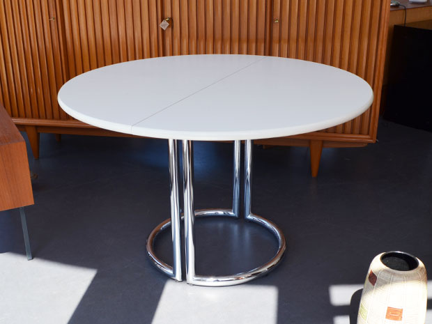 Runder Esstisch / Läsko Exclusiv Modell / Chrom / + 2 Einlegeplatten (je 50cm) / Maße: L 118cm x B 118cm x H 73cm / Preis: 450€