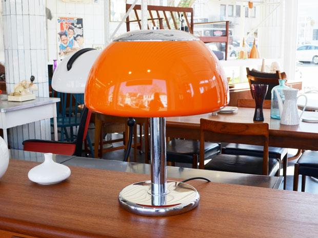 Tischleuchte Chrom / Orange (2x vorhanden) / Preis: je 140 €