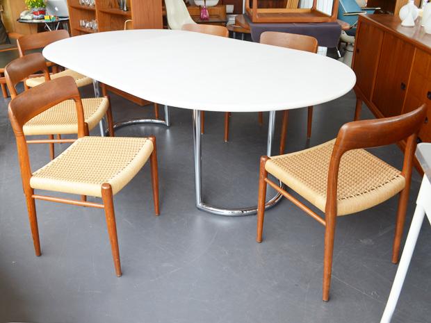 6er-Set Niels Møller Stühle / Modell 75 / Teakholz & Paper Cord / Dänemark / Setpreis: 840 €