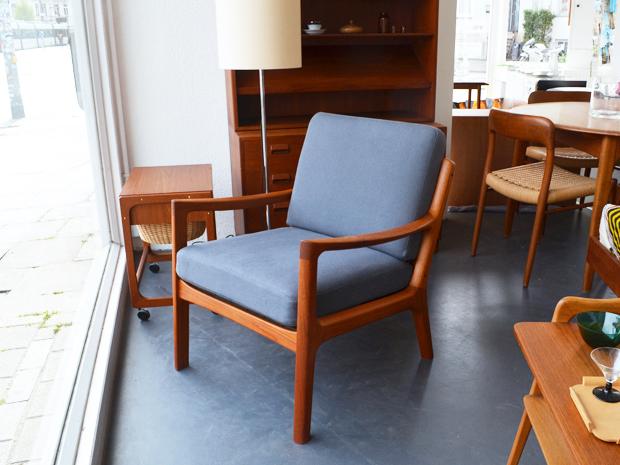 Teakholz Sessel SENATOR von Ole Wanscher, DK / neu bezogen in Dunkelgrau / Preis: 450 €