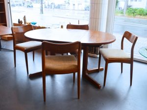 Vierer-Set Teakholzstühle / Johannes Andersen für Uldum Møbelfabrik, Dänemark