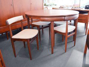 Esstisch (ausziehbar) & 4 Stühle / Hans Olsen für Frem Røjle