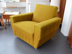 Senfgelber Sessel