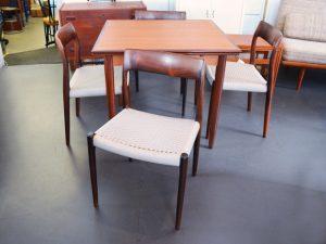 Vier Stühle / Niels Møller, Modell 77 / 1960er Dänemark