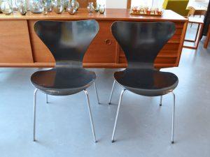 Zwei Stühle 3107 / Arne Jacobsen