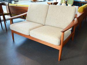 Zweisitzer Sofa / Wolle & Teakholz / Arne Vodder für CADO Dänemark